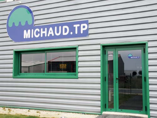 Photo Enseigne MICHAUD TP